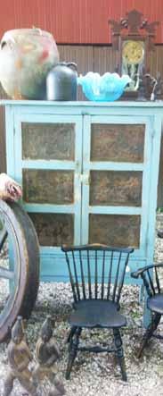 Bloomin' Barn Antiques in Bloomingdale IN